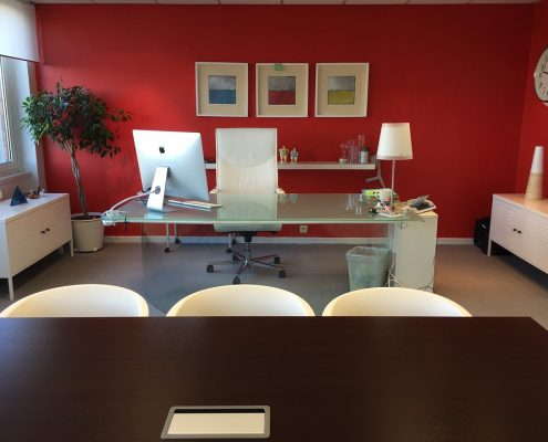 Decorating your office space 1